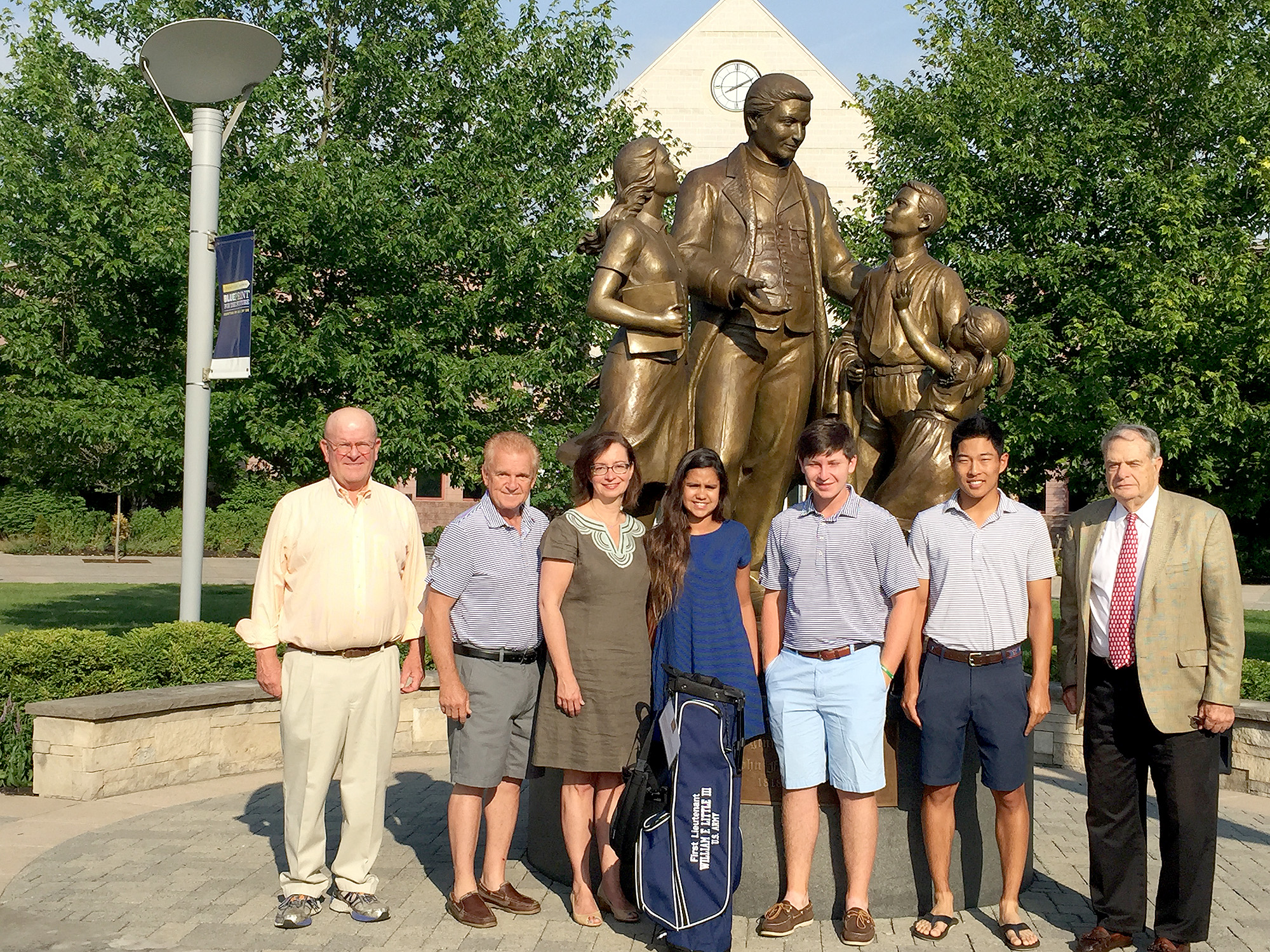 (above l-r) Bruce Morrison '64, Boys' Golf Team Head Coach Joe Forte, Alison Little '82 and her daughter Julia Saksena '22 (Mountainside), Boys' Golf Team Co-Captains Jake Mayer '17 and Justin Chae '16, and Miller Bugliari '52.